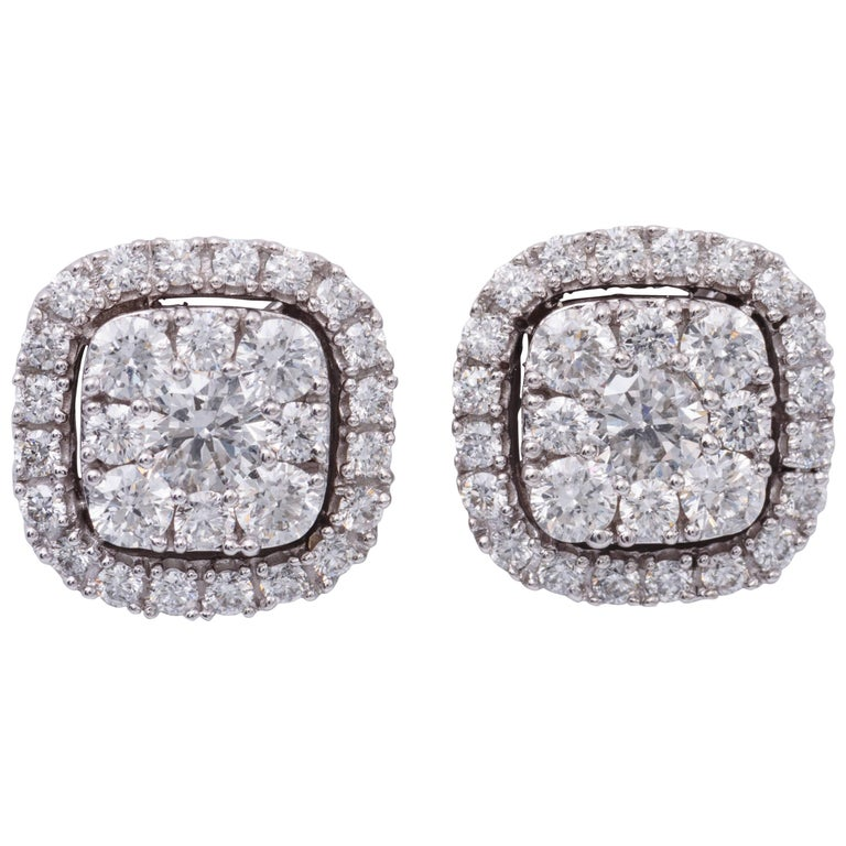 19fd13a2d 0.75 Carat Diamonds White Gold Cluster Stud Earrings For Sale at 1stdibs