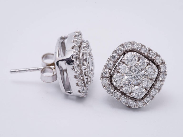 Contemporary 1.00 Carat Diamonds White Gold Cluster Stud Earrings For Sale