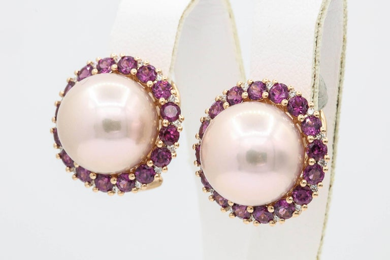 Contemporary Rhodolite and Cultured Pearl Stud Earrings 3.82 Carats 18K For Sale