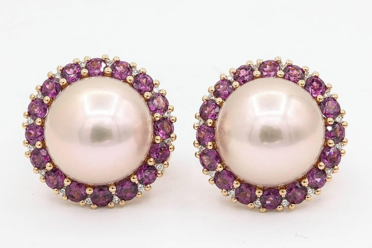 Round Cut Rhodolite and Cultured Pearl Stud Earrings 3.82 Carats 18K For Sale