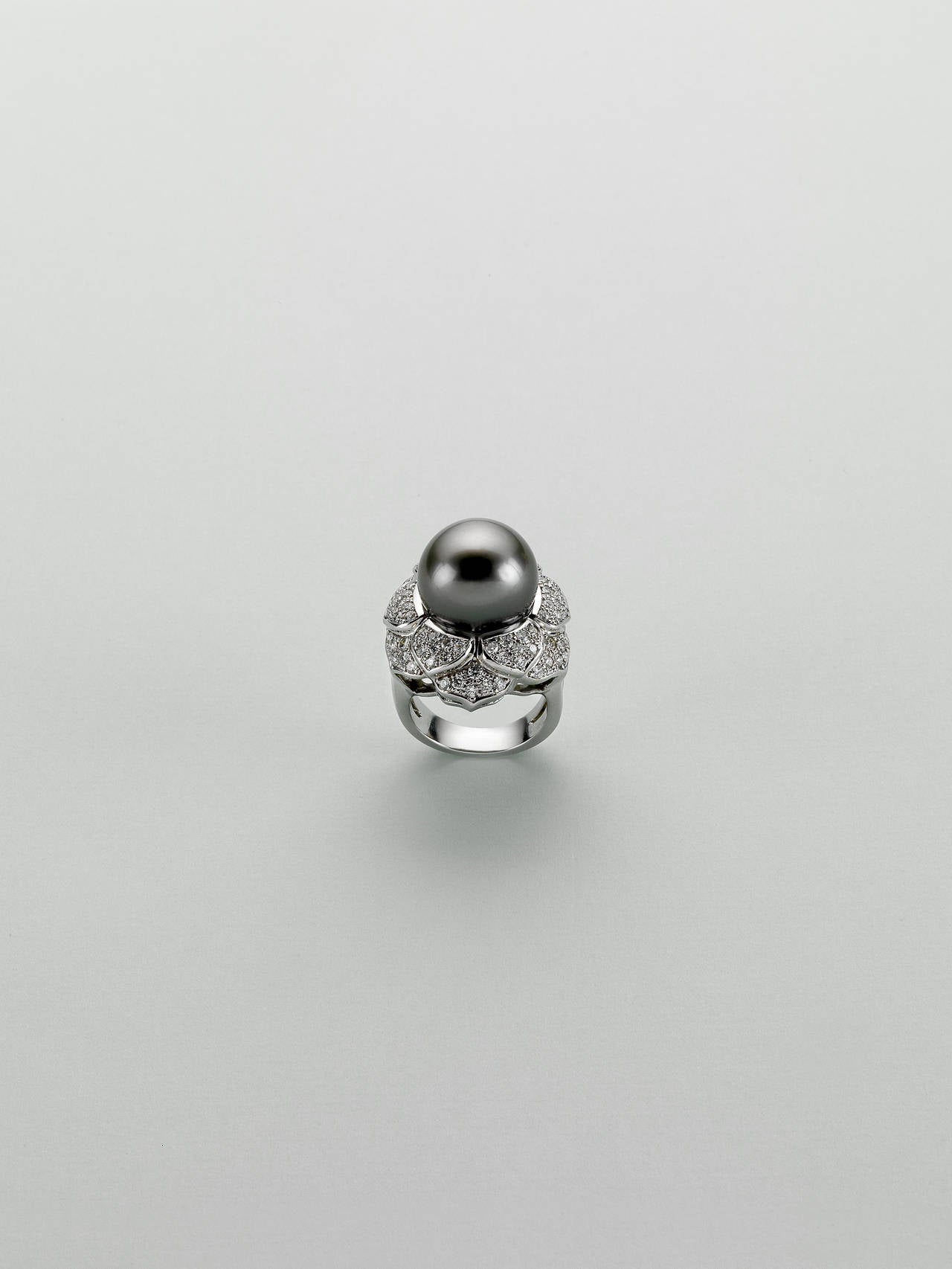 tahitian cultured pearl white gold flower ring at