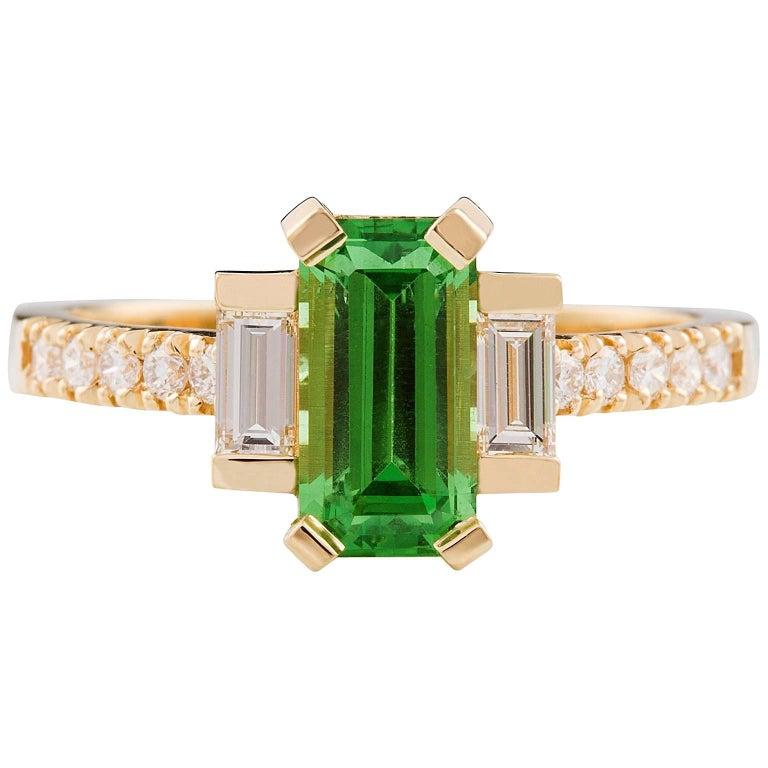 Kian Design 18 Carat Yellow Gold Tsavorite Garnet and Diamond Ring For Sale