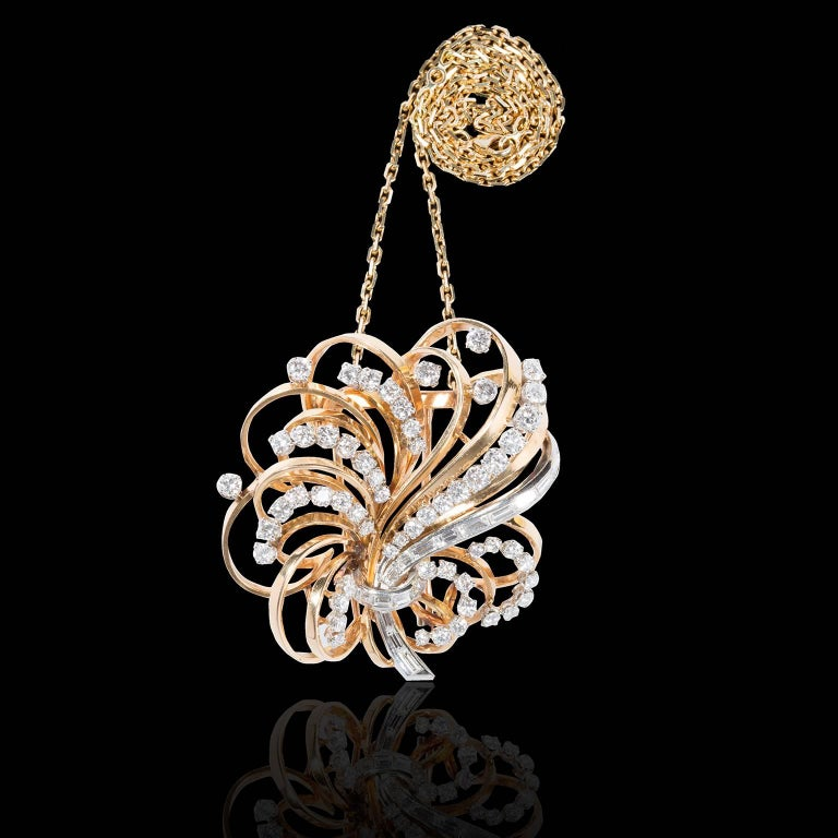 Boucheron 18 Carat Gold Platinum and Diamonds' Brooch-Pendant In Excellent Condition For Sale In London, GB