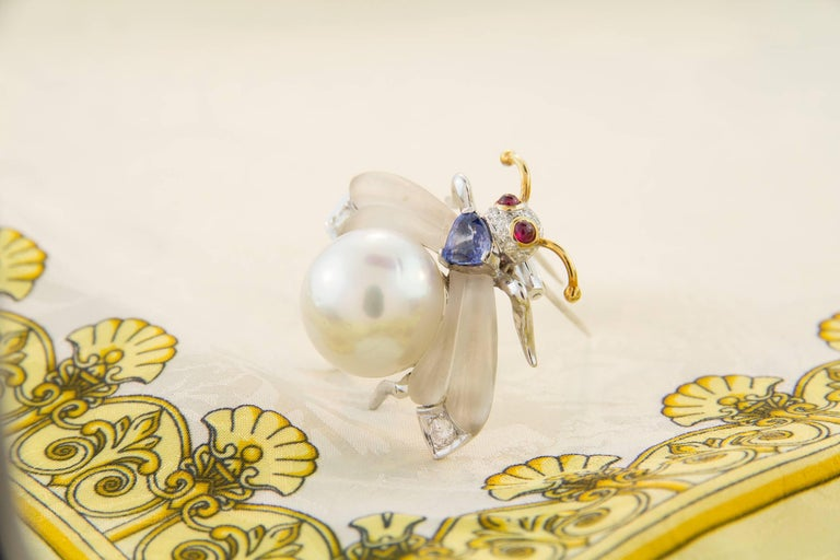 Ella Gafter White South Sea Pearl Diamond Bee Brooch Pin with Blue Sapphire For Sale 1