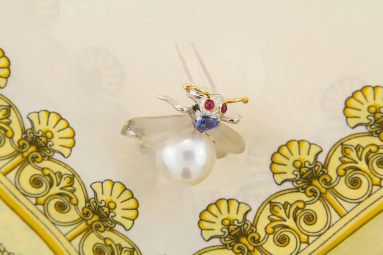Women's or Men's Ella Gafter White South Sea Pearl Diamond Bee Brooch Pin with Blue Sapphire For Sale