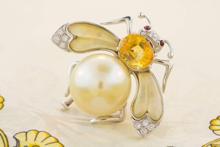 Ella Gafter Golden Pearl Diamonds Bee Brooch Pin with Yellow Sapphire For Sale 3