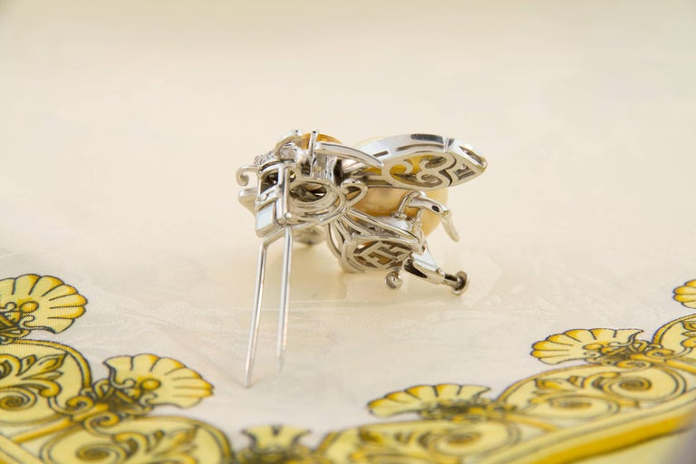Ella Gafter Golden Pearl Diamonds Bee Brooch Pin with Yellow Sapphire For Sale 2