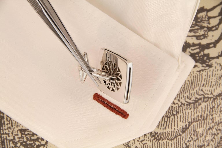 Ella Gafter White Gold Silver Coin Cufflinks  In New Condition For Sale In New York, NY
