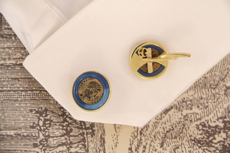 Ella Gafter Yellow Gold Coin Cufflinks  In New Condition For Sale In New York, NY