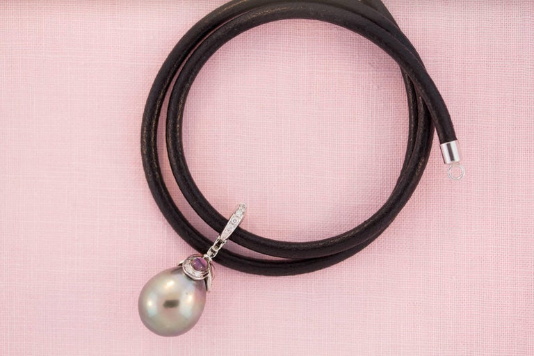 Ella Gafter 17mm Pearl Diamond Flower Necklace For Sale 2