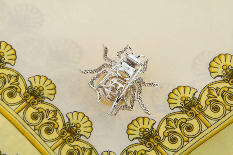 Ella Gafter 19mm Pearl Diamond Spider Brooch Pin For Sale 4