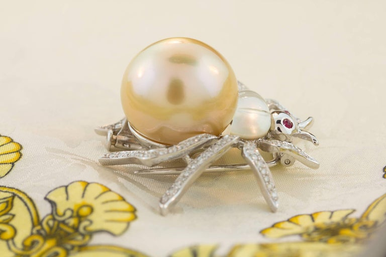 Ella Gafter 19mm Pearl Diamond Spider Brooch Pin For Sale 9