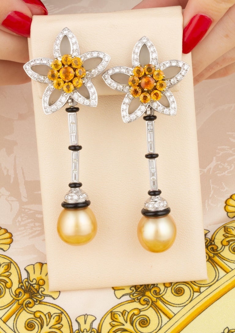 Ella Gafter Golden South Sea Pearl and Diamond Drop Earrings with Onyx In New Condition For Sale In New York, NY
