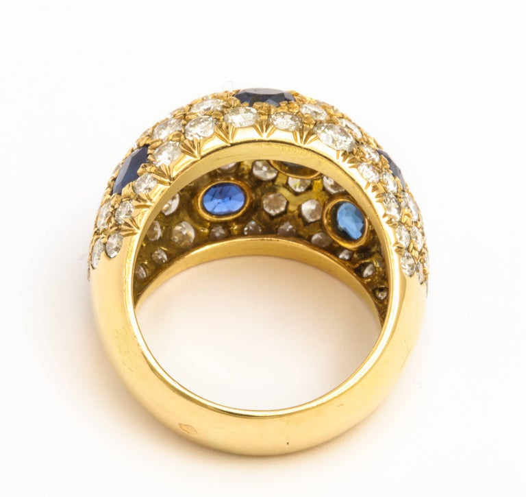 18 Karat Gold French Dome Ring with Sapphires and Diamonds In Excellent Condition For Sale In New York, NY