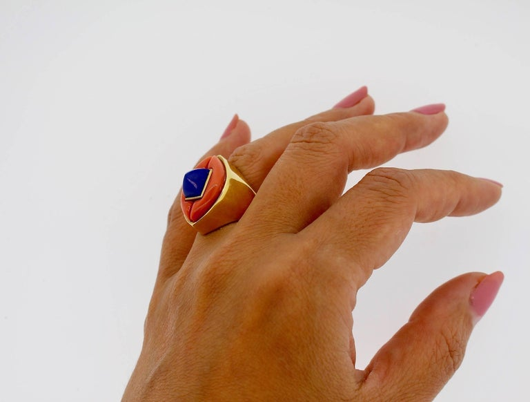 Modernist Gold Lapis and Coral Gold Statement Ring For Sale 3
