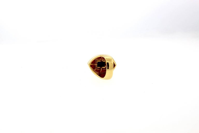 Modernist Gold Lapis and Coral Gold Statement Ring In Excellent Condition For Sale In New York, NY