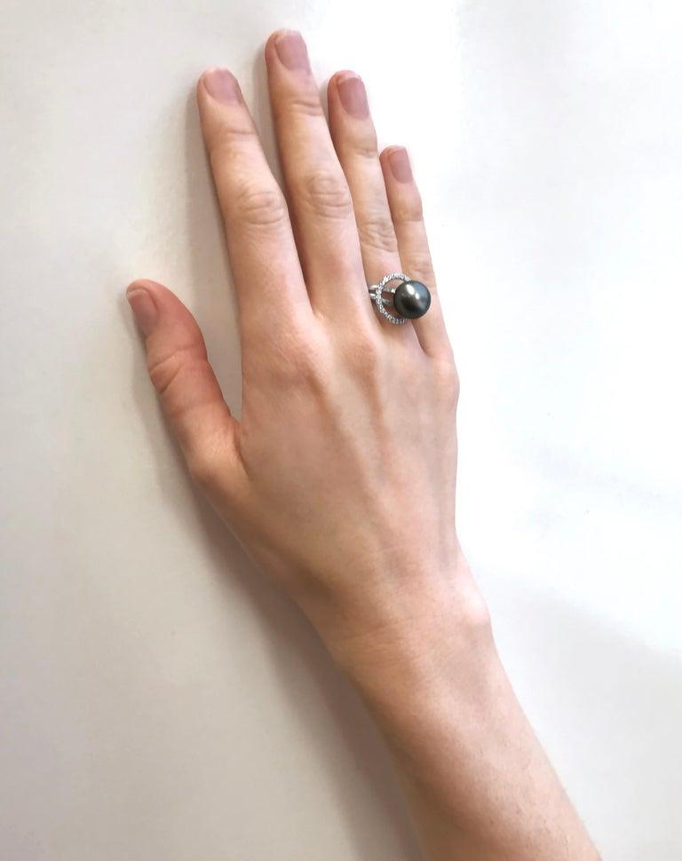 Round Cut Yoko London Tahitian Pearl and Diamond Ring Set in 18 Karat White Gold For Sale