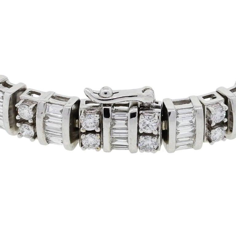 Baguette Shape and Round Brilliant Diamond Bracelet In Excellent Condition For Sale In Boca Raton, FL