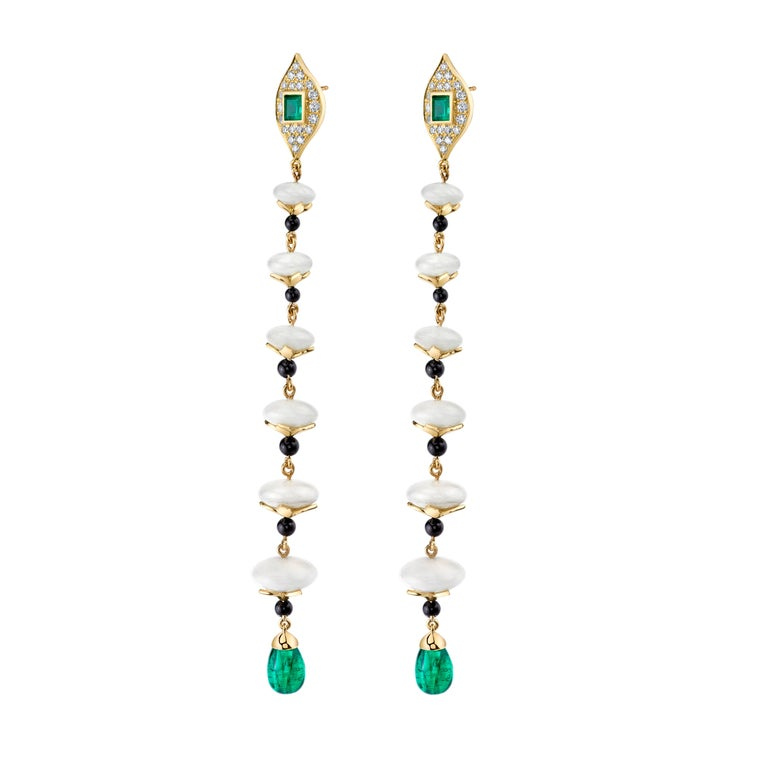 KC Sukamto Tagua Emerald Onyx Diamond Yellow Gold Drop Earring In New Condition For Sale In Los Angeles, CA
