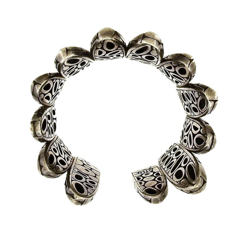 John Hardy Flex Kali Spike Cuff Bracelet In Good Condition For Sale In New York, NY