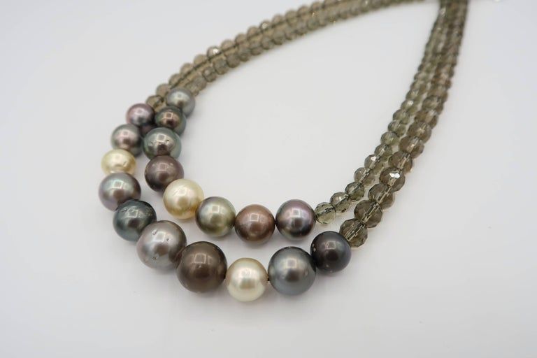 Understated jewellery for everyday wear.  Pearls : 18 pieces South Sea pearls and Tahitian pearls Smoky Quartz : 105 pieces 17.5