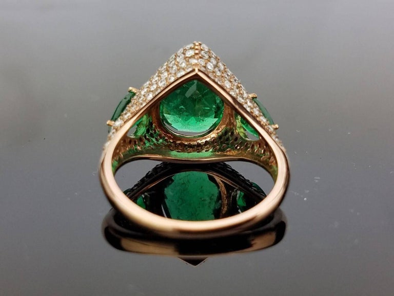 Pear Shape Emerald and Diamond Cocktail Ring In Excellent Condition For Sale In Kowloon, HK