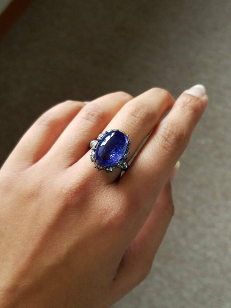 Modern Tanzanite Emerald and Diamond Cocktail Ring For Sale 2