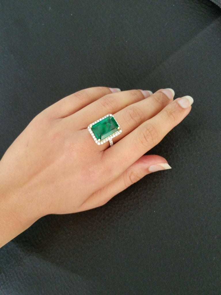 15.19 carat Zambian Emerald and Diamond Cocktail Ring For Sale 1
