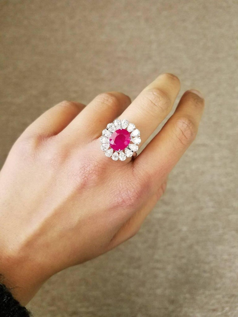 GRS Certified 4.10 Carat Burma Ruby and Diamond Cocktail Ring In New Condition For Sale In Kowloon, HK