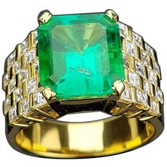 5.61 Carat Colombian Emerald and Diamond Unisex Ring