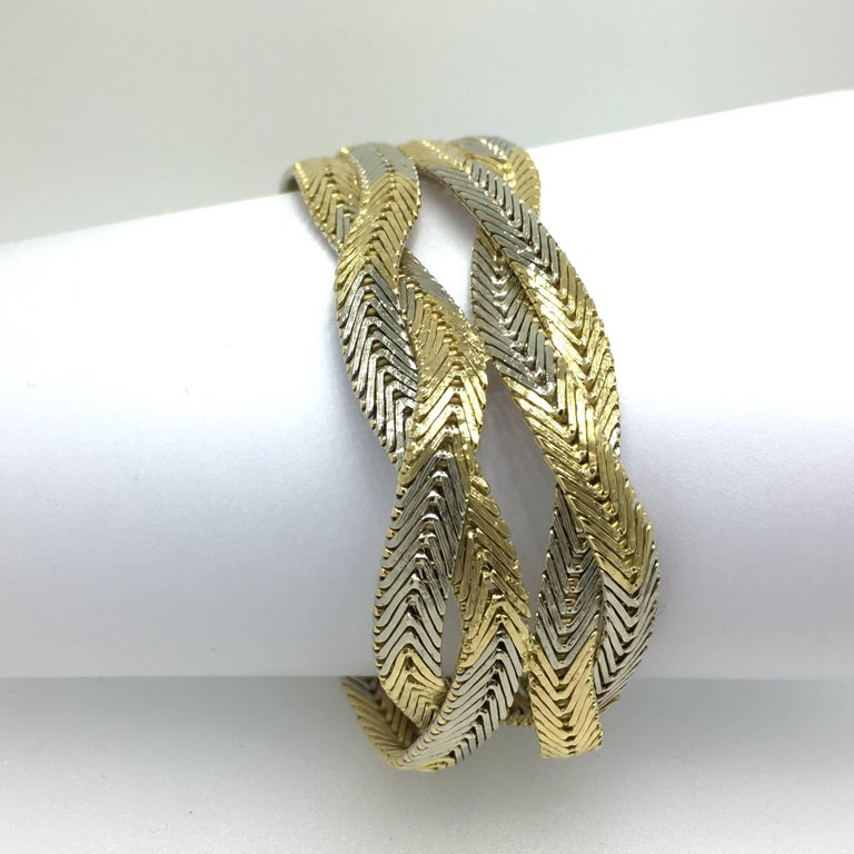 Modern Bracelet, 18 carat gold, Braided Gold Wires, Italian Design, 1970 For Sale