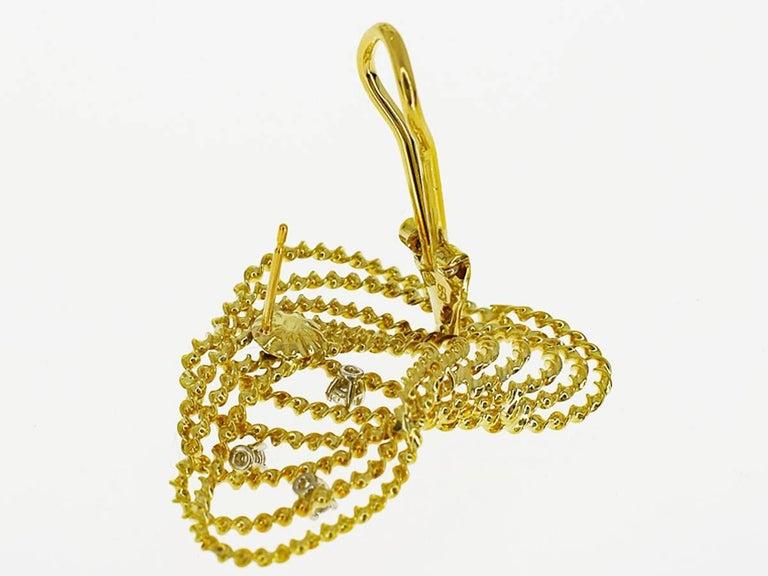 Tres Belle Diamonds 18 Karat Yellow Gold Design Studs Earring In Excellent Condition For Sale In Tokyo, JP