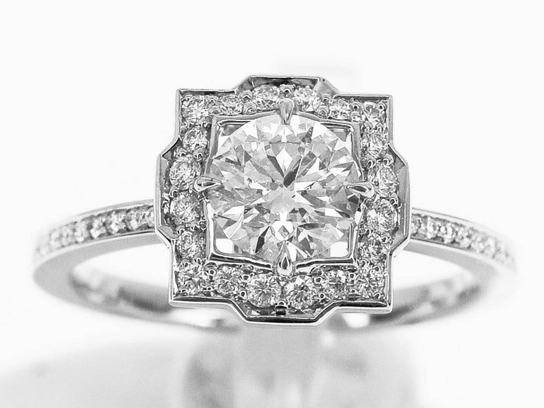 Brand:HARRY WINSTON Name:Belle by Harry Winston, Round Brilliant Diamond Micropavé  Ring Material :1P Diamond(D0.53ct E-VS2-3Ex), side diamonds, PT950 Platinum Comes with:Harry Winston Box,Case,GIA certificate (Oct 2016), HW Repair invoice(May