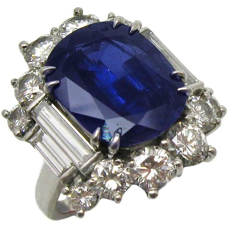 6.57 Carat GIA Certified Un-Heated Blue Sapphire and Diamond Ring in Platinum For Sale