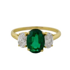 1.67 Carat Emerald and Diamond Yellow Gold Ring