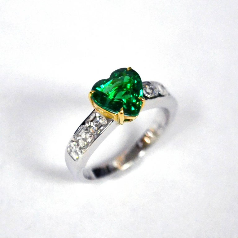 stone l look ring silver jewels emerald evolees engagement plating side gold diamond heart and white central in shaped with com