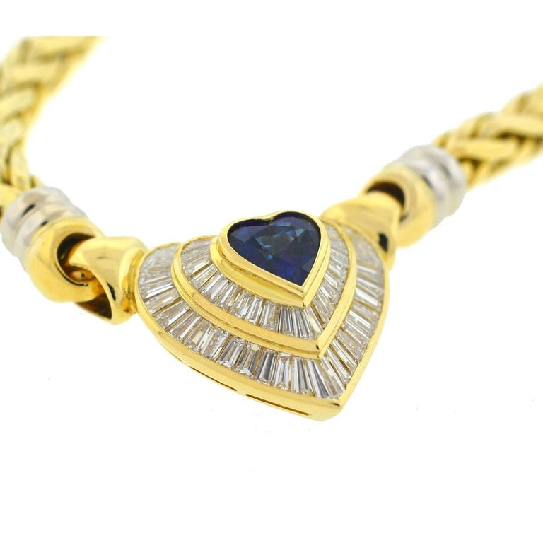 18 Karat Yellow Gold Heart Sapphire and Baguette Diamonds Pendant Necklace In Excellent Condition For Sale In Boca Raton, FL