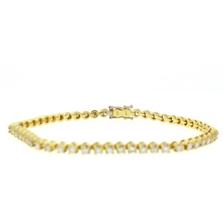 14 Karat Yellow Gold Diamond Tennis Bracelet 2.6 Carat For Sale 3