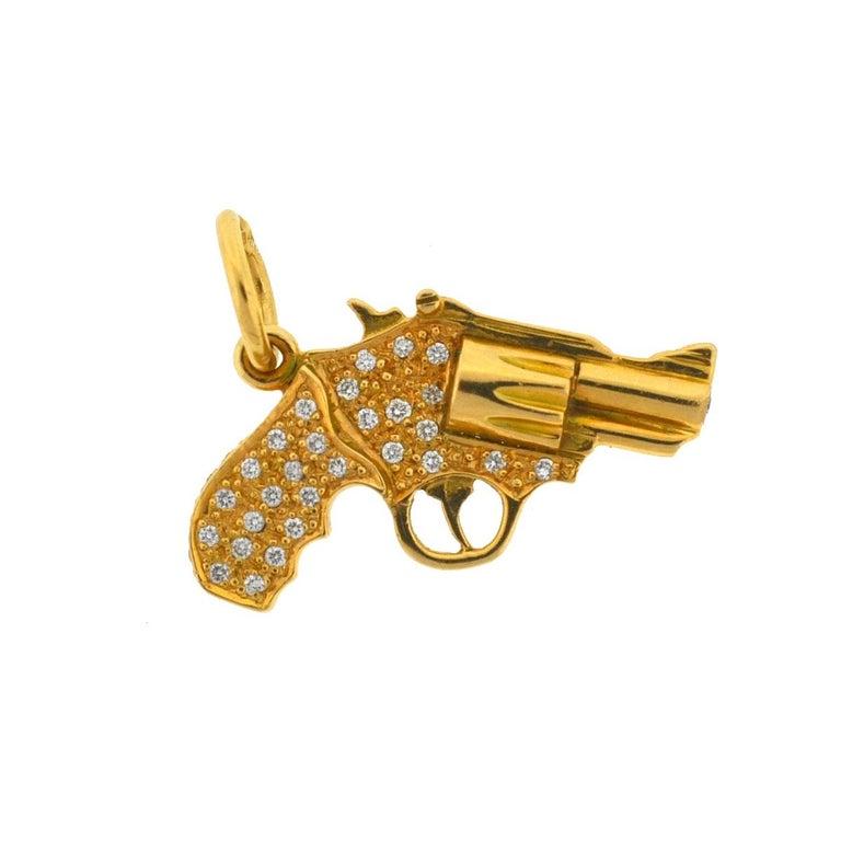 18 Karat Yellow Gold Diamond Gun Revolver Pendant 1.12 Carat TW