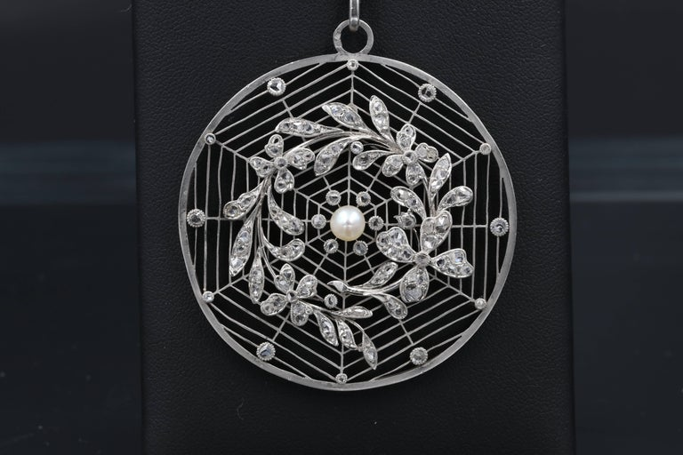 French Belle Époque Platinum, Diamonds and Pearl Rosette Pendant For Sale 1