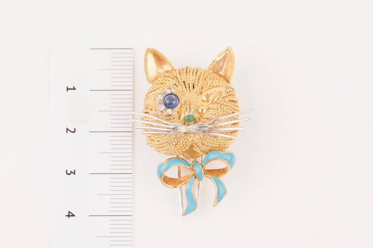 Vintage Gold Sapphire Diamonds and Enamel French Cat Brooch For Sale 1
