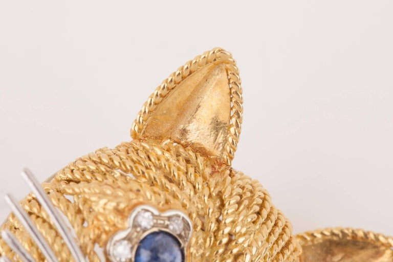 Vintage Gold Sapphire Diamonds and Enamel French Cat Brooch For Sale 7