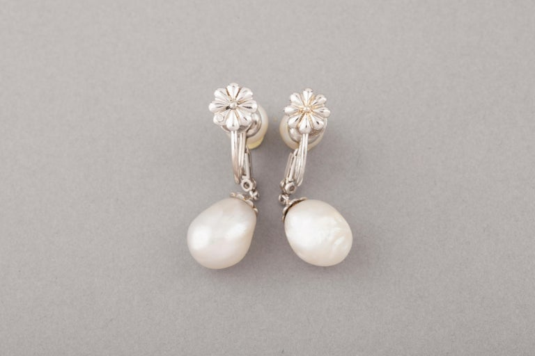 Belle Époque French Certified Antique Natural Pearls Earrings For Sale