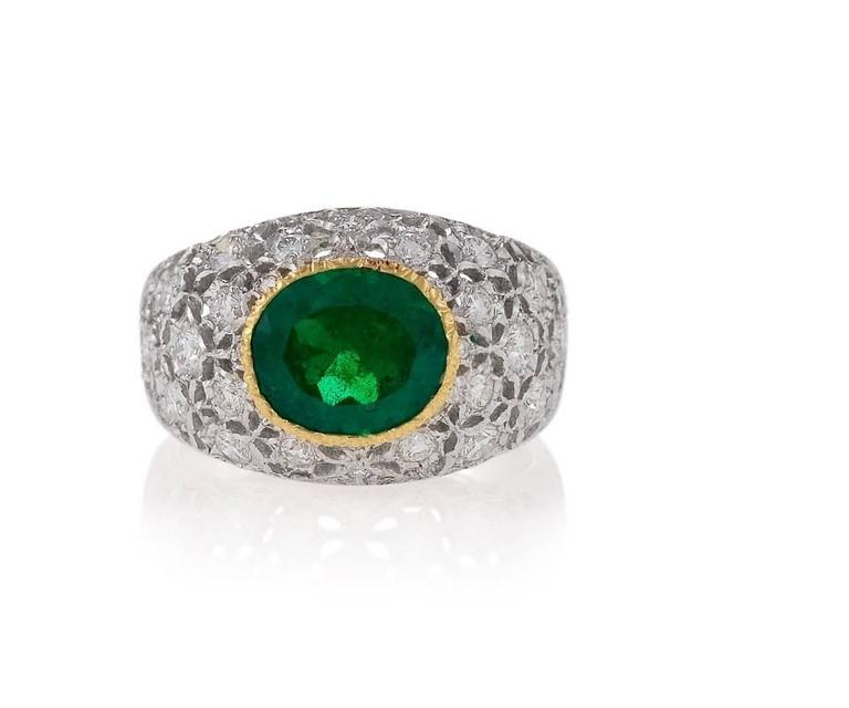 Mario Buccellati 1970's Emerald Diamond Gold Ring In Excellent Condition For Sale In New York, NY
