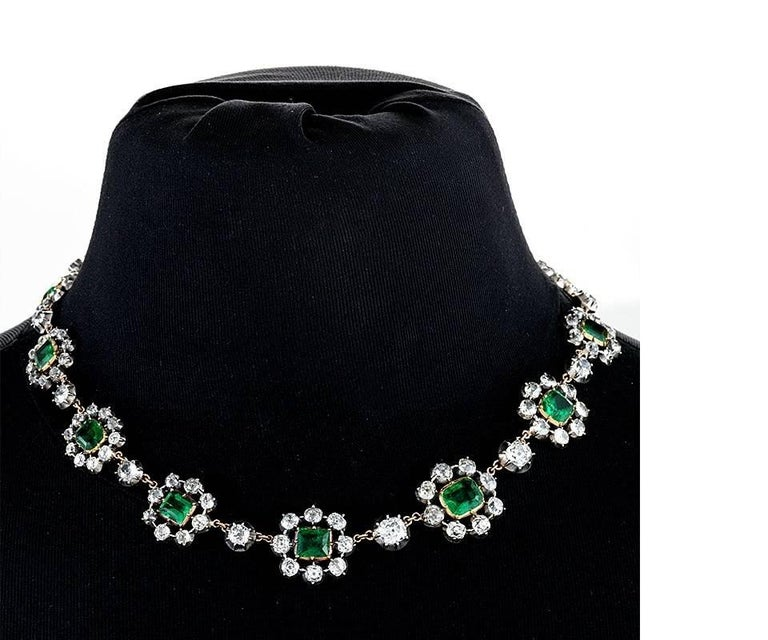 Antique English Emerald and Diamond Cluster Necklace In Excellent Condition For Sale In New York, NY