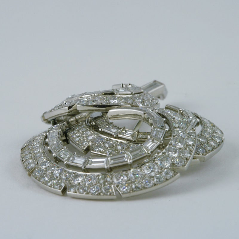 Cartier 1950s Diamond Platinum Brooch In Excellent Condition For Sale In New York, NY