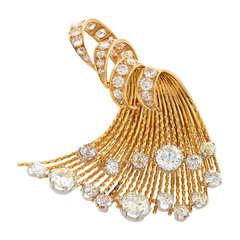 Sterlé Paris Diamond Gold Wave Brooch