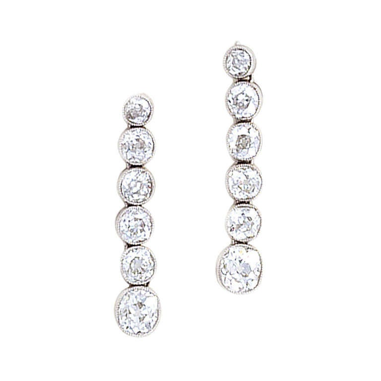 Line Art Earrings : Art deco earrings diamonds in a line set platinum at