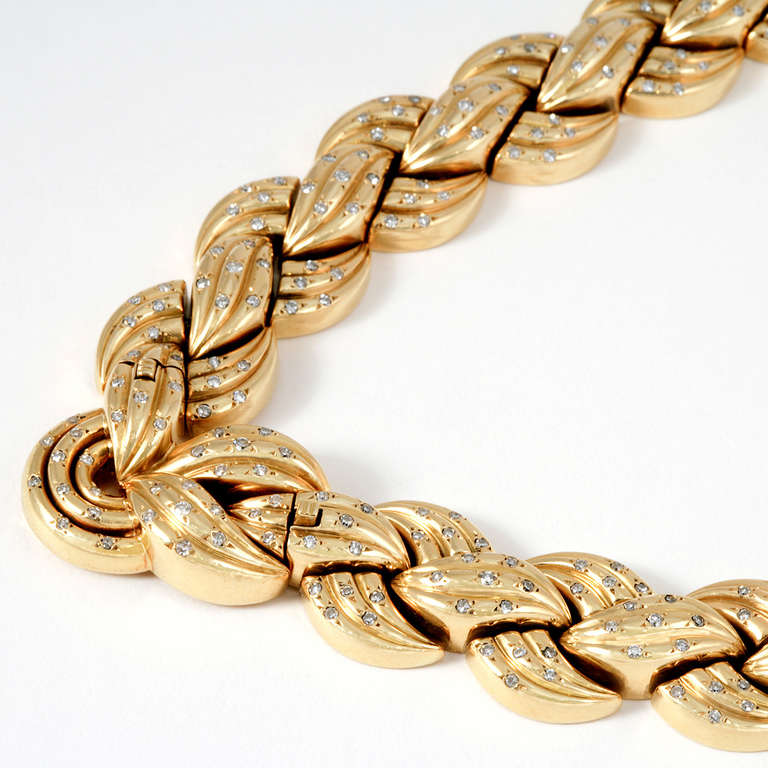 Van Cleef & Arpels 1940's Diamond Gold Necklace and Bracelets 8