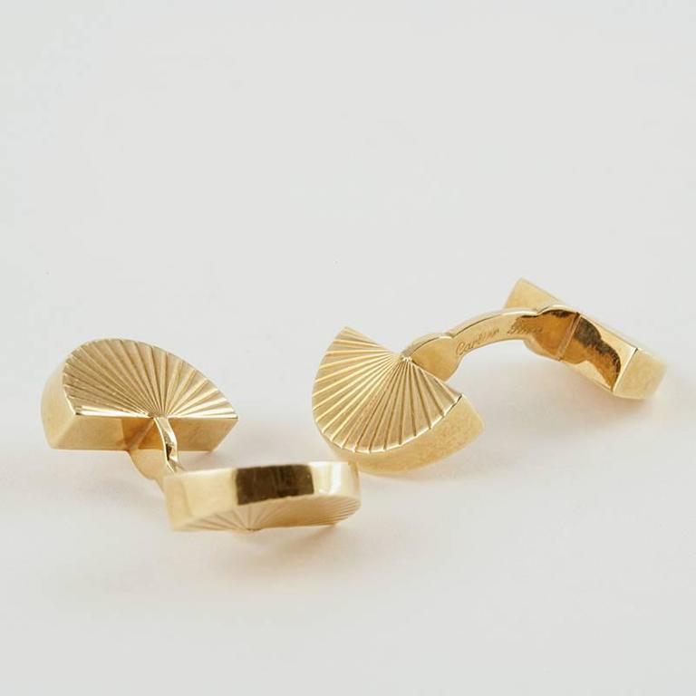 Men's Cartier Paris 1960's Gold Cuff Links For Sale